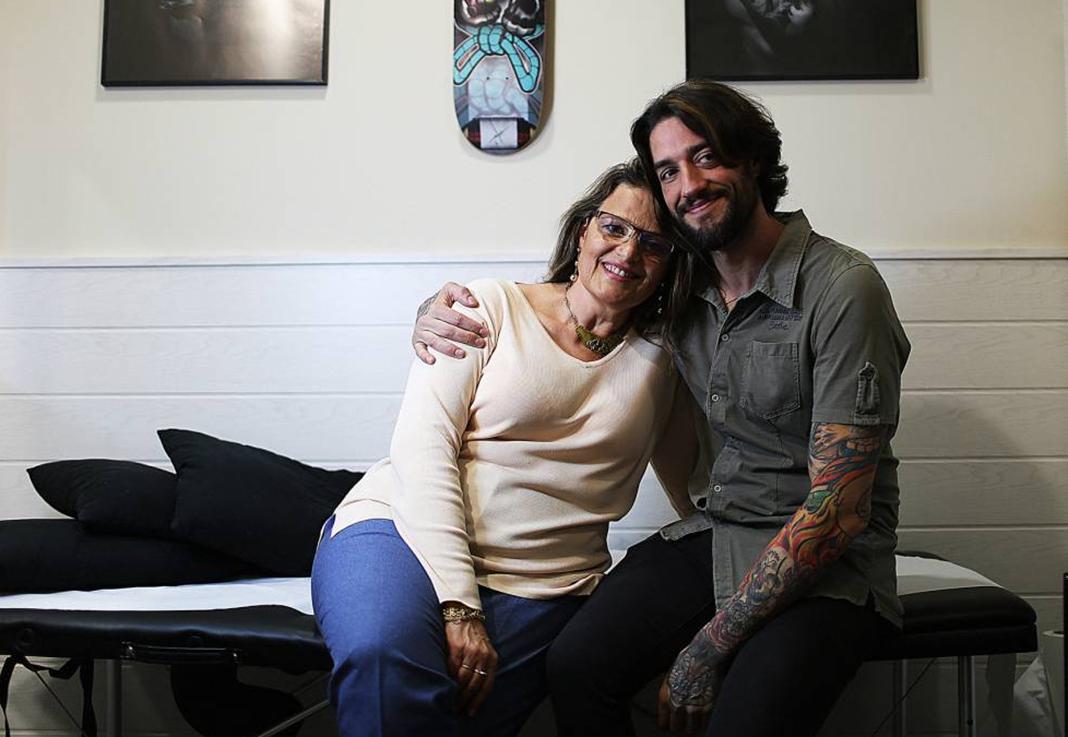 Cremas contra el cáncer. Tatuajes para dejar atrás el cáncer de mama. Comseticaonco